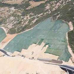 Protezione dall'erosione con geostuoia rinforzata Tenax Multimat R