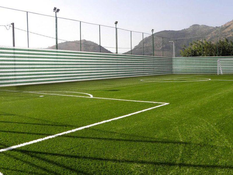 Reti tessute in polietilene per impianti sportivi