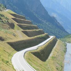 Terre rinforzate Sistema Tenax Rivel per la sistemazione di frane