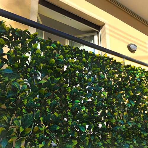 Siepe sintetica divy laurus plus 3d con foglie in pe su for Siepe sintetica artificiale