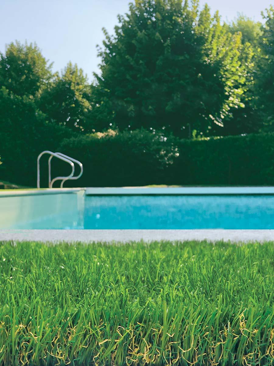 prato sintetico a bordo piscina Tenax English Mat Premium